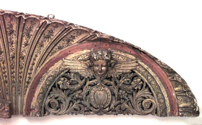 French Victorian Gilt Carved Wall Plaque In Good Condition For Sale In New York, NY