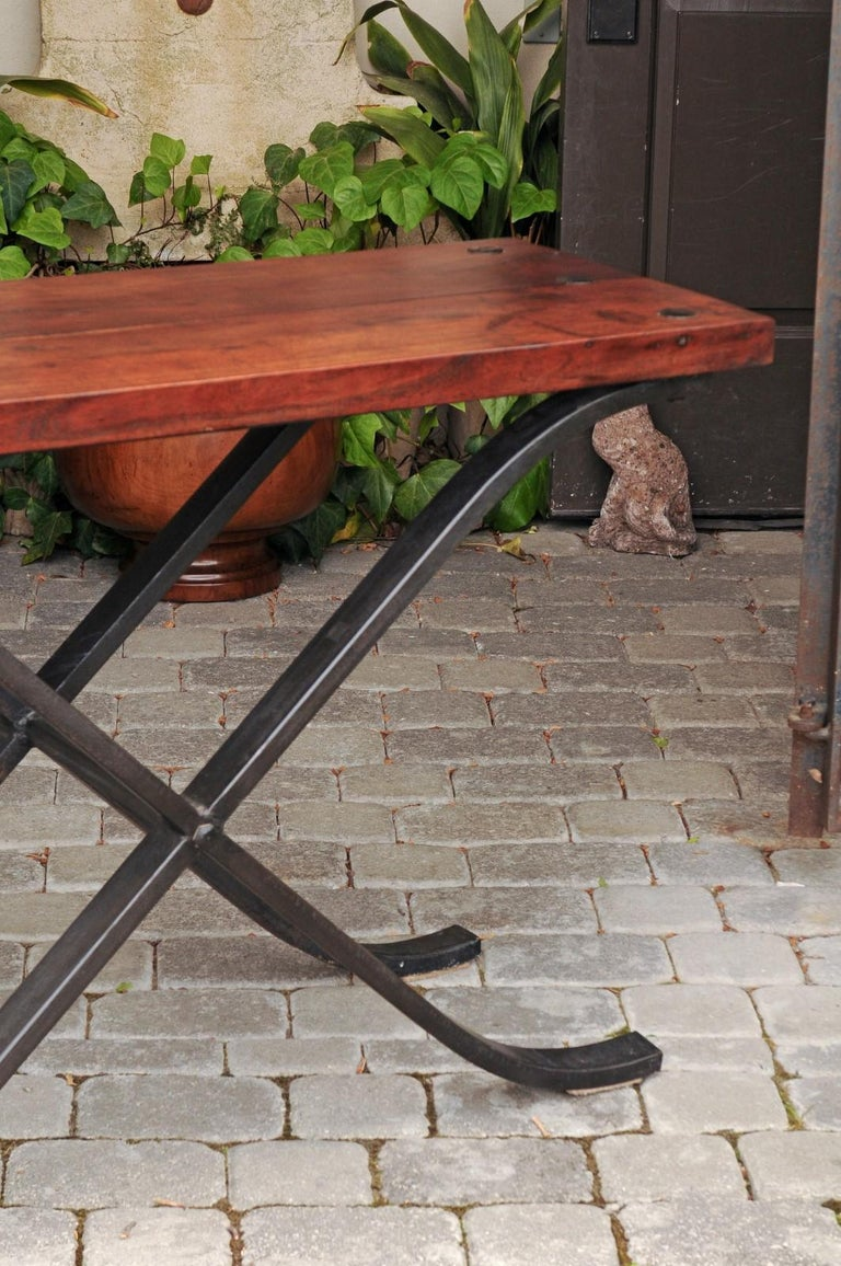 French Vintage 1950s Narrow Walnut and Iron Table with Curving X-Form Stretcher For Sale 1