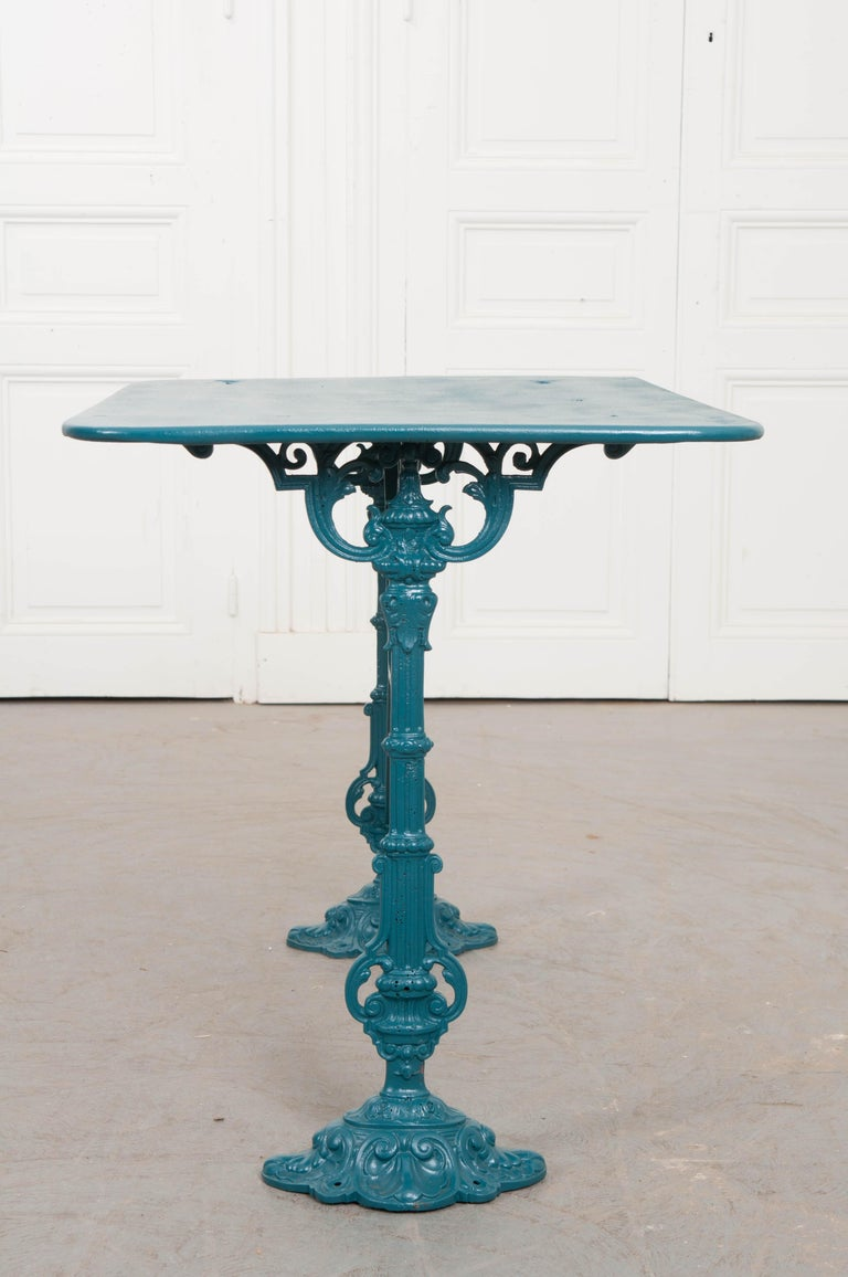French Vintage 20th Century Iron Bistro Table For Sale 1