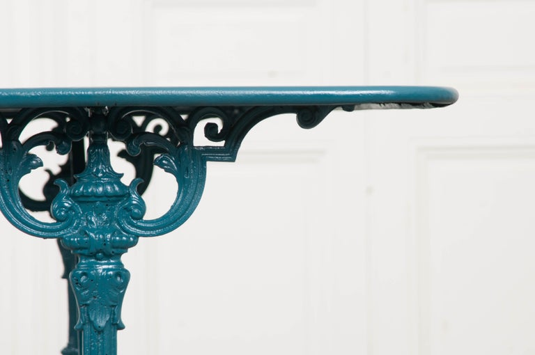 French Vintage 20th Century Iron Bistro Table For Sale 2