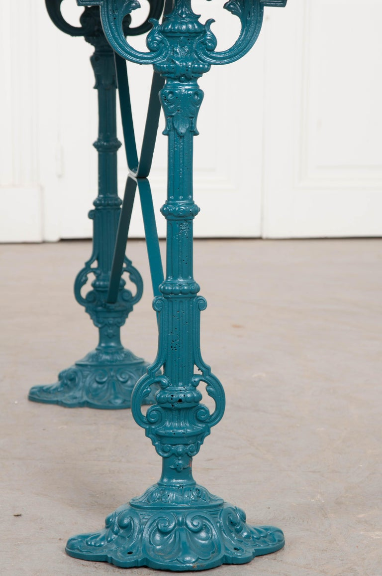 French Vintage 20th Century Iron Bistro Table For Sale 3