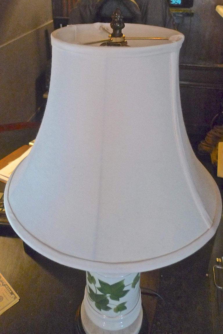 20th Century French Vintage Painted Milk Glass Table Lamp Mounted on a Wood and Marble Base For Sale