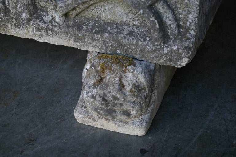 French Vintage Sandstone Planter Medieval Relief In Good Condition For Sale In Raalte, NL