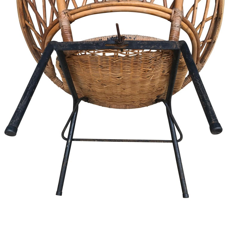 French Vintage Wicker Loop Chair For Sale 5