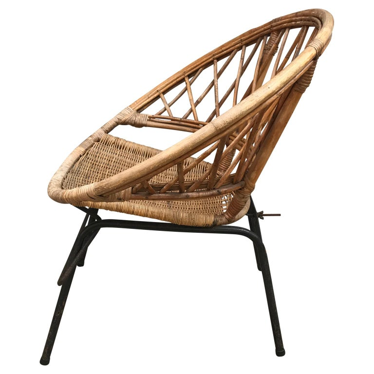 French Vintage Wicker Loop Chair For Sale 2