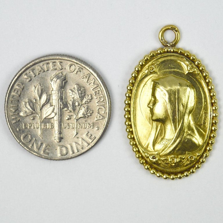 0French Virgin Mary 18k Yellow Gold Medal Pendant For Sale 2