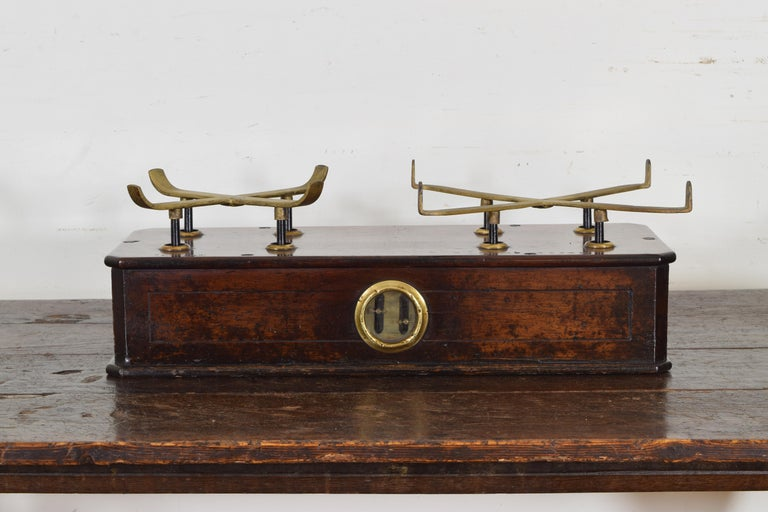 French Walnut and Brass Kilogramme Scale and Weights, Mid-19th Century For Sale 3