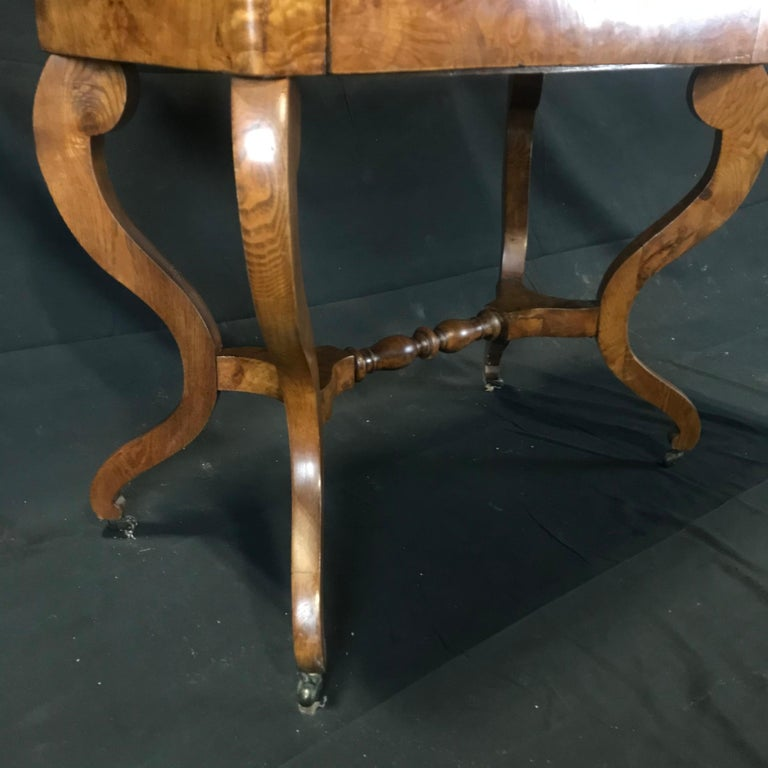 French Walnut Dressing Table with Carved Swan Neck Sides For Sale 3