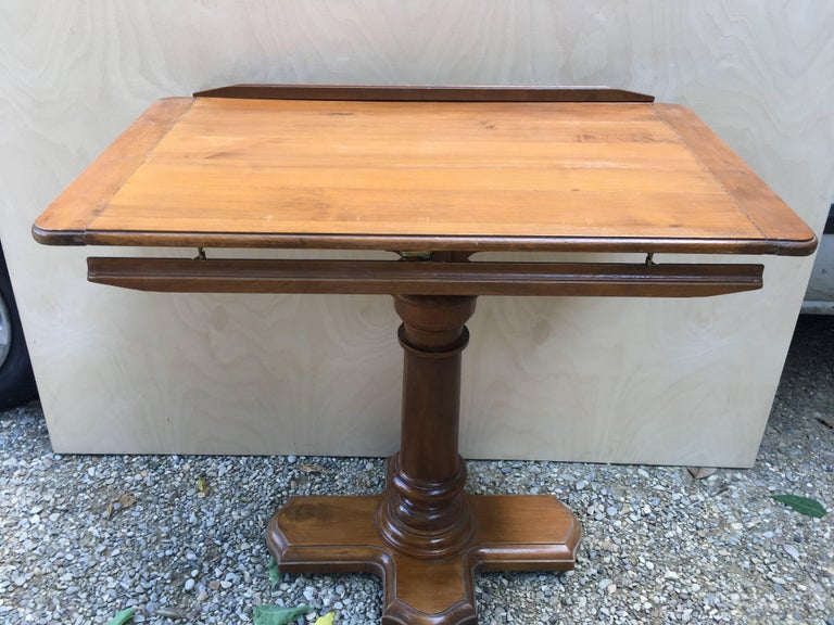 French Walnut Dupond Adjustable Bookstand from 1920s For Sale 4