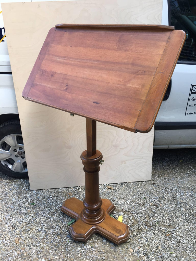 French Walnut Dupond Adjustable Bookstand from 1920s For Sale 7