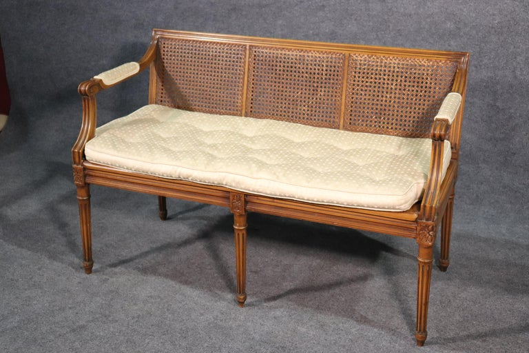 French Walnut Louis XVI Cane Settee Window Bench Canape Goose Down Cushion In Good Condition For Sale In Swedesboro, NJ