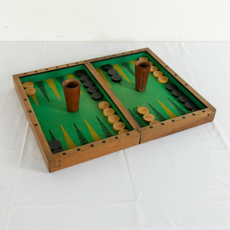 Walnut Marquetry Folding Game Box, with Reverse Side Backgammon, circa 1900 For Sale 1