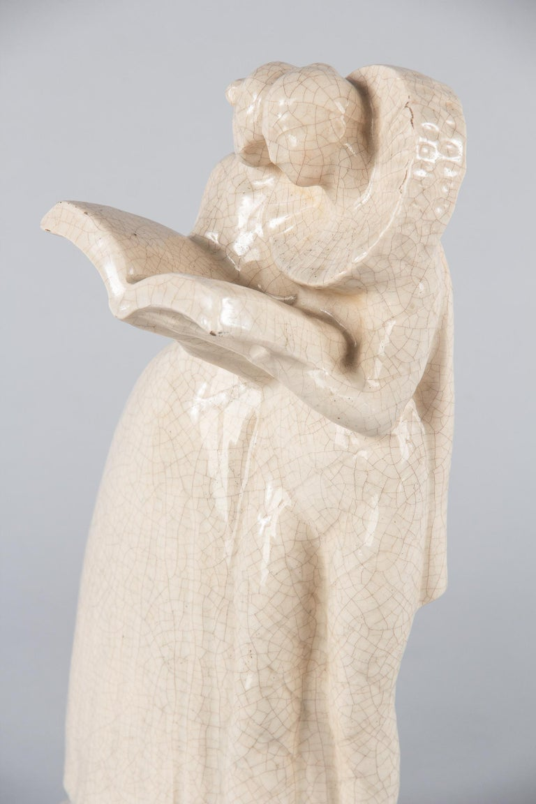 French White Crackled Ceramic Statuette, circa 1930s In Good Condition For Sale In Austin, TX