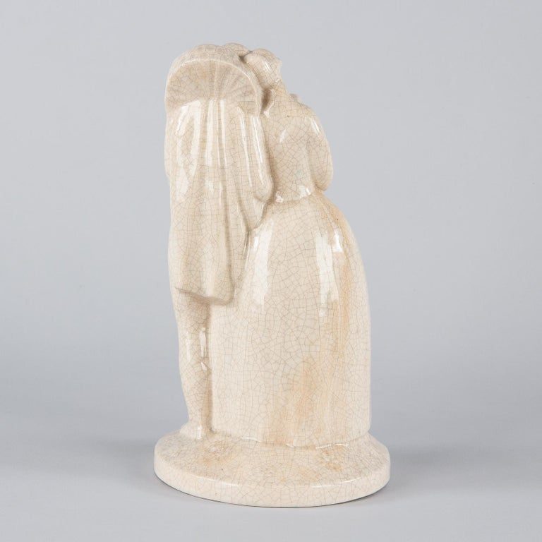 French White Crackled Ceramic Statuette, circa 1930s For Sale 3