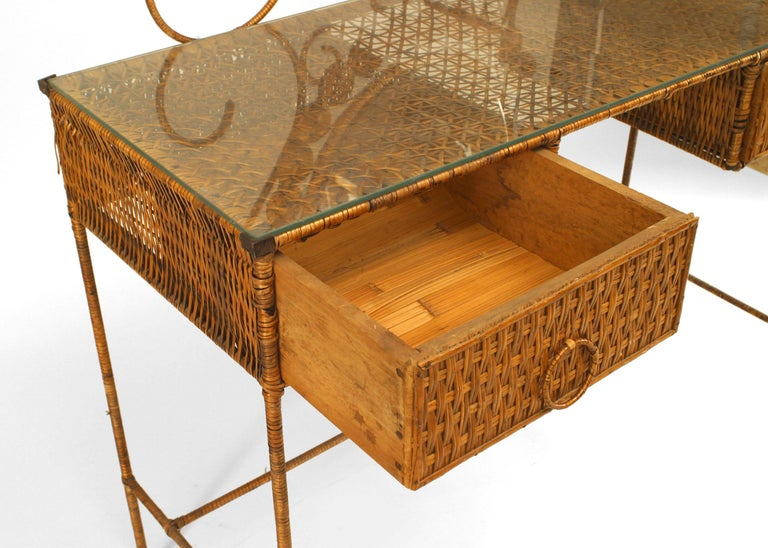 French Wicker Vanity With Dramatic Oval Mirror In Good Condition In New York, NY