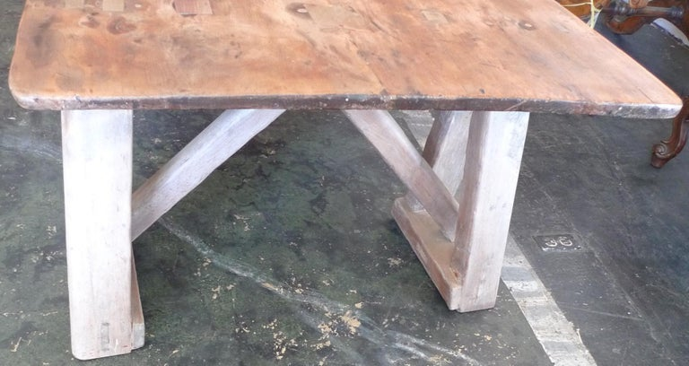 French 19th Century Stained Pinewood Coffee Table Top on Two Pinewood Sawhorses For Sale 4