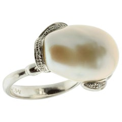 Freshwater Pearl Ring with White Diamonds in 18 Karat Gold