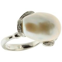 Freshwater Pearl Ring with White Diamonds in 18 Karat White Gold