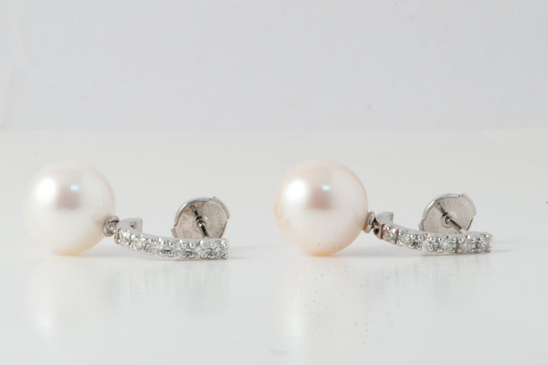 Freshwater Pearls and White Diamonds on White Gold 18 Karat Drop Earrings For Sale 2