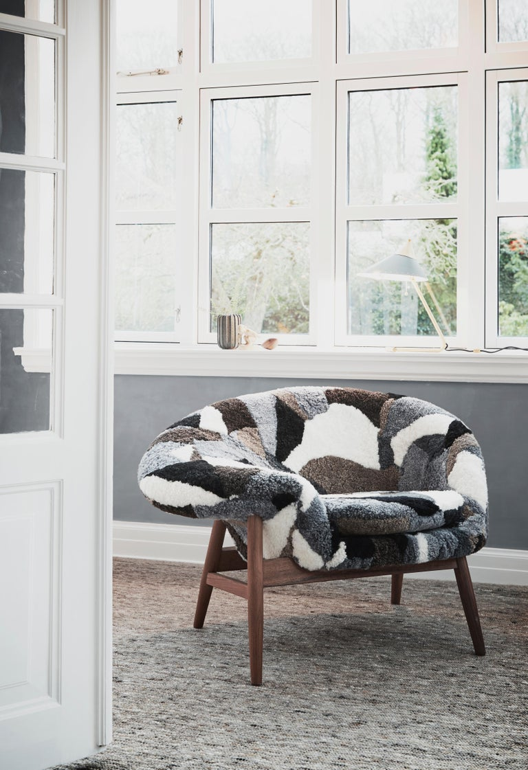 Fried Egg Chair Sheep Chair, by Hans Olsen from Warm Nordic For Sale 8