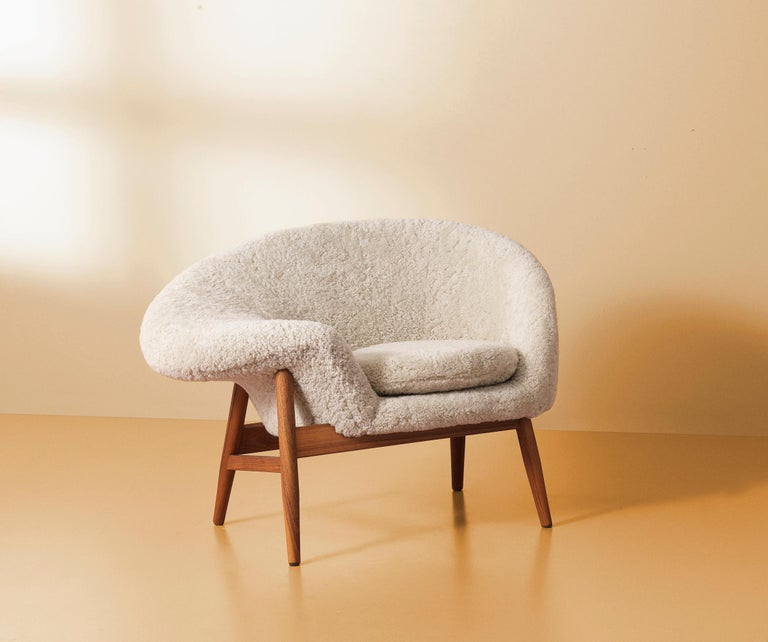 Foam Fried Egg Chair Sheep Chair, by Hans Olsen from Warm Nordic For Sale