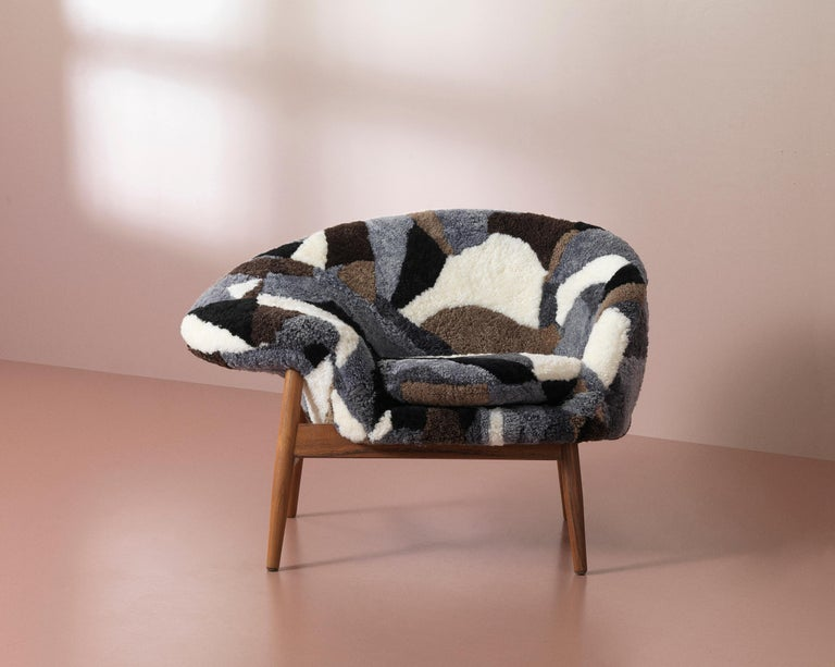 Fried Egg Chair Sheep Chair, by Hans Olsen from Warm Nordic For Sale 1