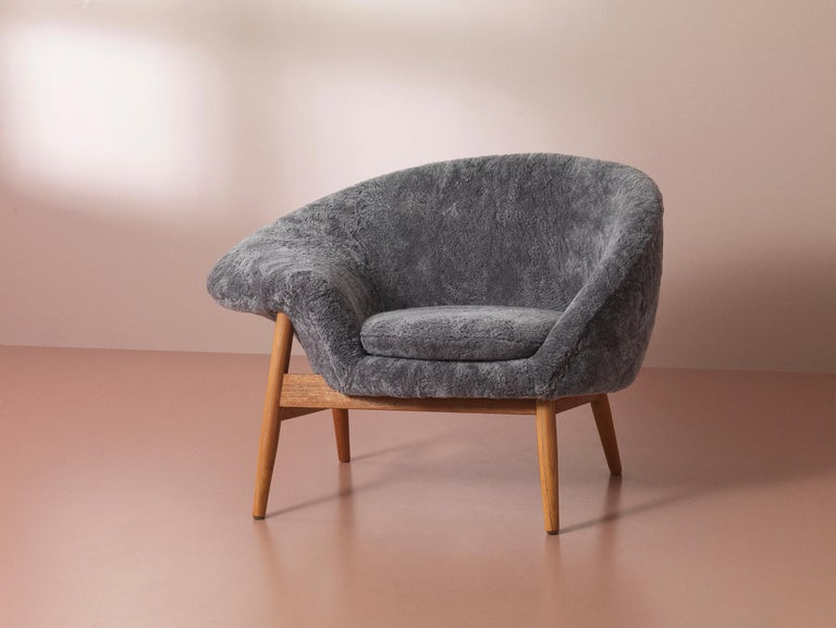 Fried Egg Chair Sheep Chair, by Hans Olsen from Warm Nordic For Sale 2
