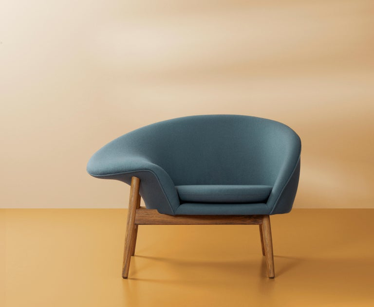 Fried Egg Monochrome Chair, by Hans Olsen from Warm Nordic For Sale 3