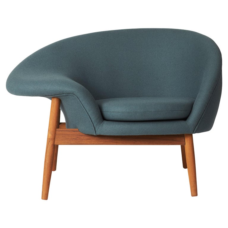 For Sale: Blue (Hero 991) Fried Egg Monochrome Chair, by Hans Olsen from Warm Nordic