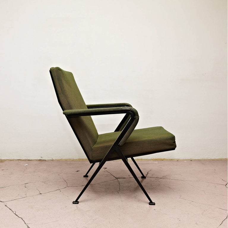 Dutch Friso Kramer Mid-Century Modern Green Upholstered Repose Fauteuil, 1969 For Sale