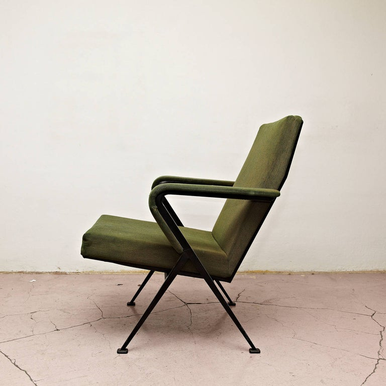 Mid-20th Century Friso Kramer Mid-Century Modern Green Upholstered Repose Fauteuil, 1969 For Sale