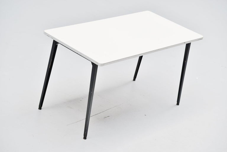 Dutch Friso Kramer Reform table Ahrend de Cirkel, 1955 For Sale