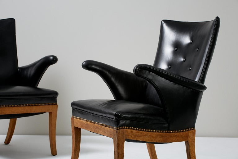 Scandinavian Modern Frits Henningsen Armchairs, Oak and Leather For Sale