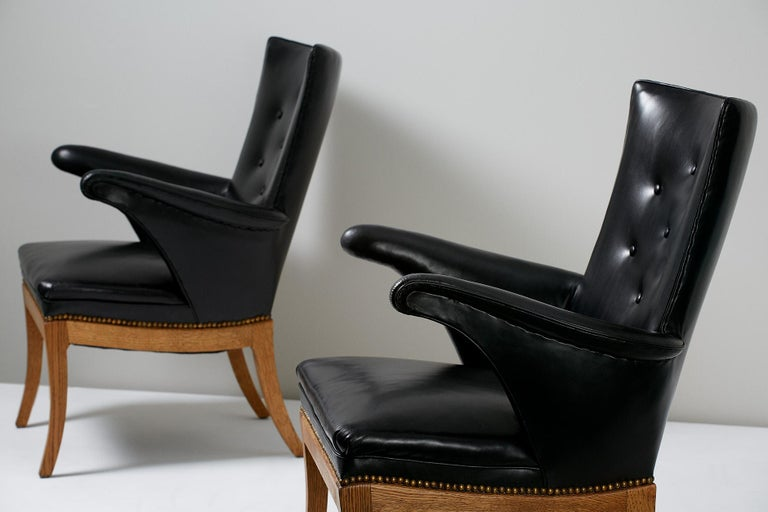 Danish Frits Henningsen Armchairs, Oak and Leather For Sale