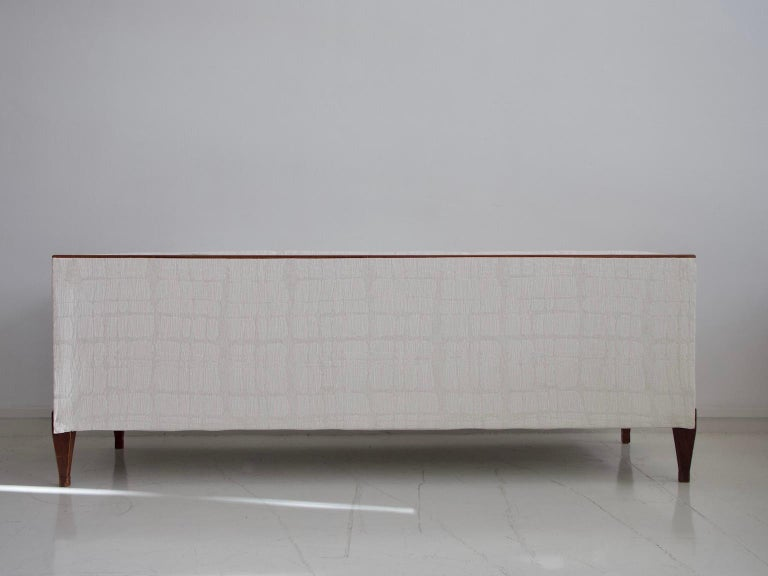 Frits Henningsen Mahogany Sofa with White Fabric Upholstery For Sale 5