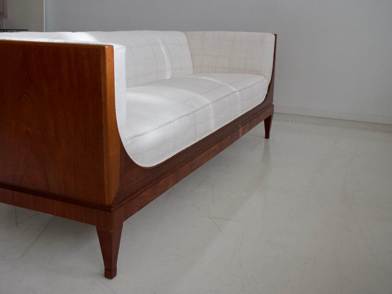 Frits Henningsen Mahogany Sofa with White Fabric Upholstery For Sale 2