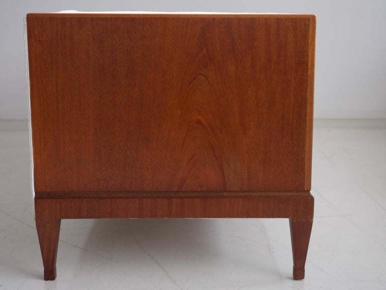 Frits Henningsen Mahogany Sofa with White Fabric Upholstery For Sale 3