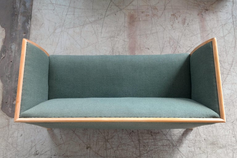 Frits Henningsen Style Two-Seat Sofa in Oak by Søren Willadsen, Denmark, 1940s For Sale 3