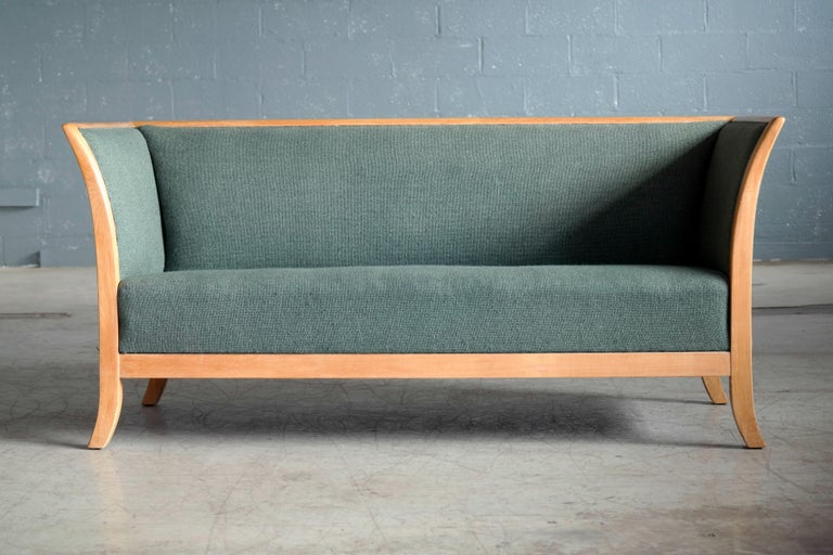 Mid-Century Modern Frits Henningsen Style Two-Seat Sofa in Oak by Søren Willadsen, Denmark, 1940s For Sale