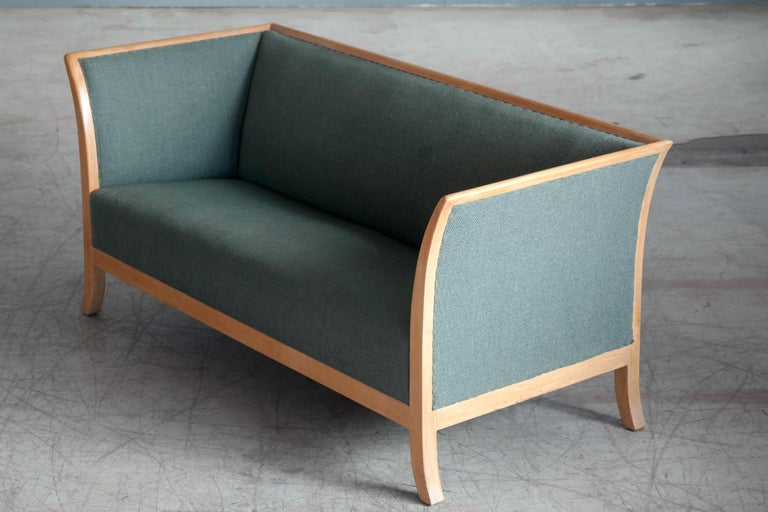 Frits Henningsen Style Two-Seat Sofa in Oak by Søren Willadsen, Denmark, 1940s For Sale 2