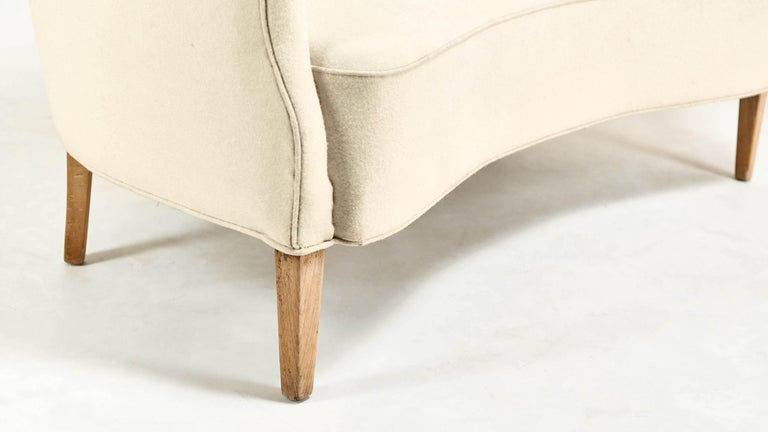 Frits Henningsen, Unique Concave Sofa, Denmark, circa 1940 For Sale 3