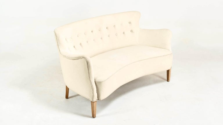 Frits Henningsen, Unique Concave Sofa, Denmark, circa 1940 For Sale 4