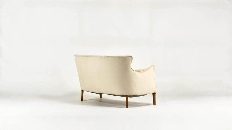 Frits Henningsen, Unique Concave Sofa, Denmark, circa 1940 In Good Condition For Sale In Munster, NRW