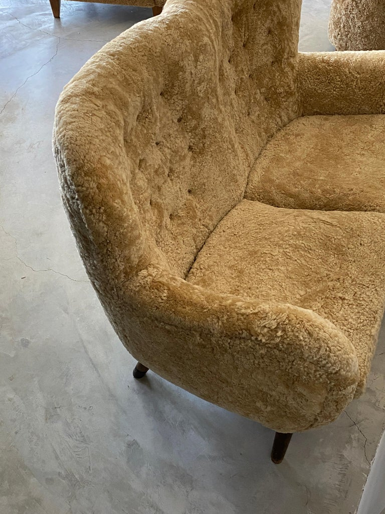 Stained Frits Schlegel 'Attributed', Organic Settee, Beige Lambskin, Denmark circa 1949  For Sale