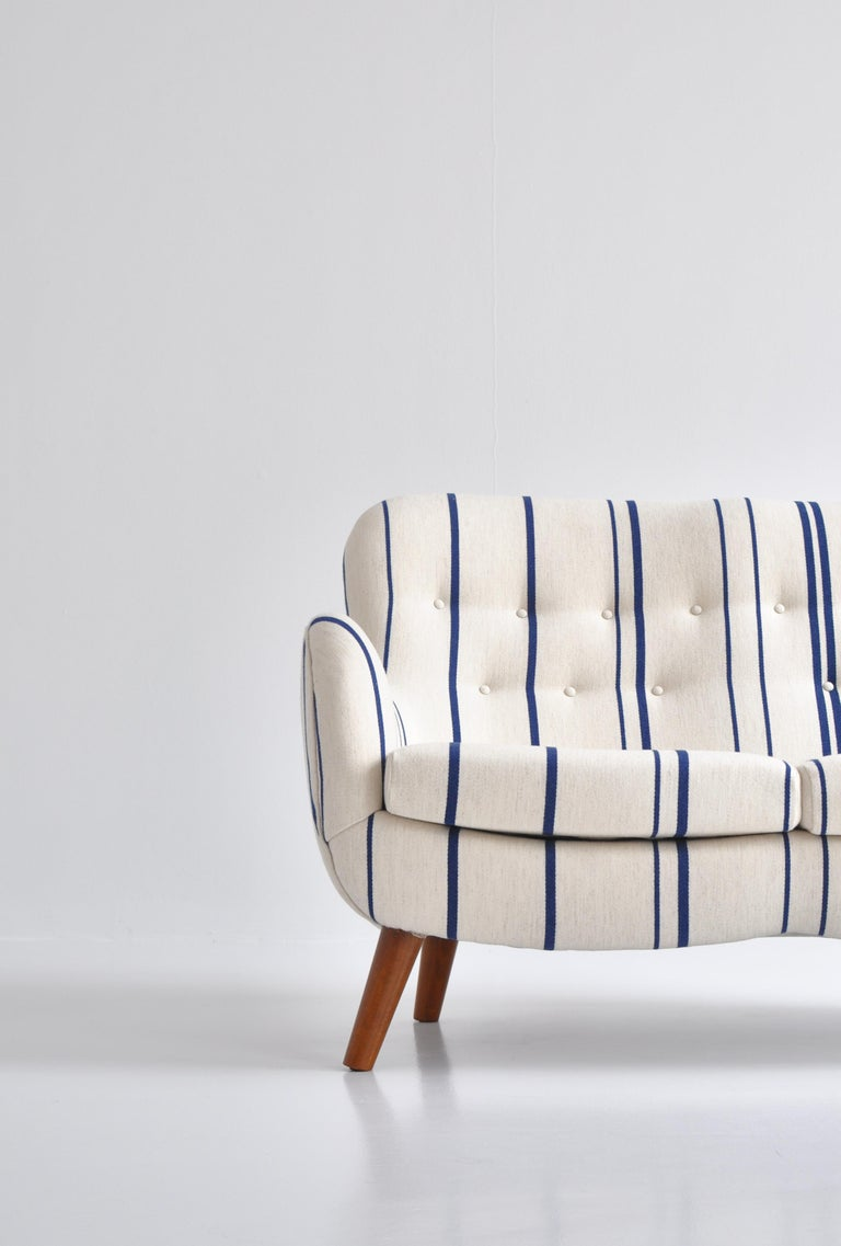 Danish Frits Schlegel Sofa / Settee in Blue Striped Savak Wool, Denmark, 1940s For Sale