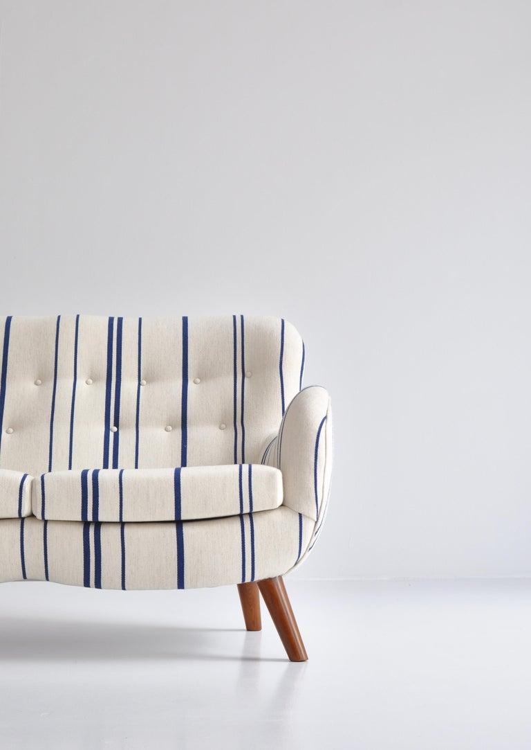 Frits Schlegel Sofa / Settee in Blue Striped Savak Wool, Denmark, 1940s For Sale 1