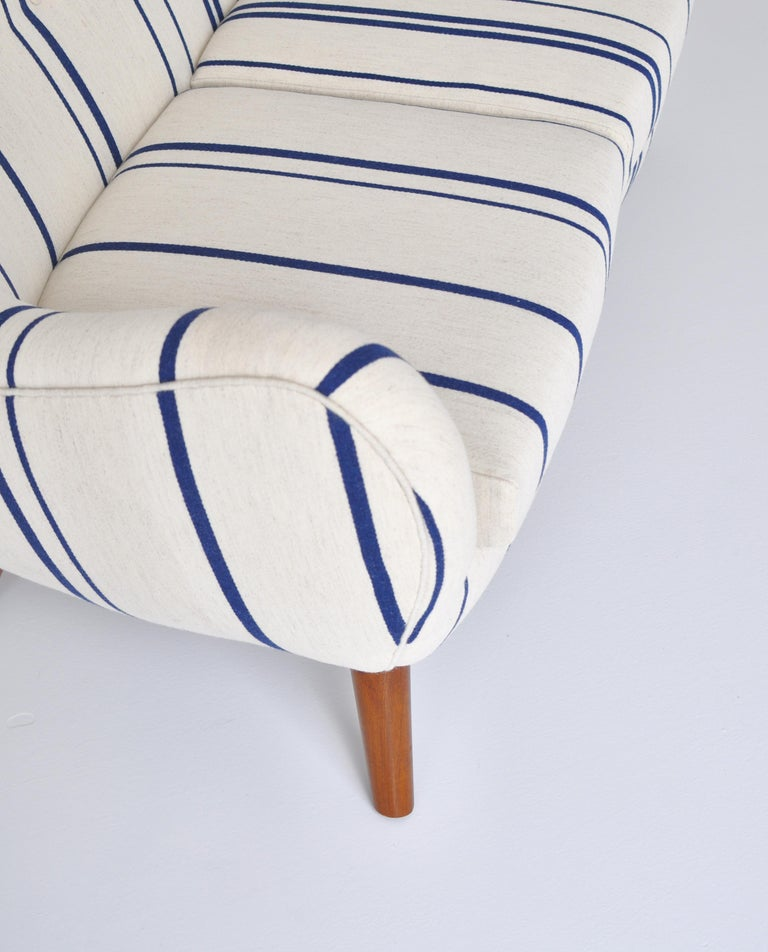 Frits Schlegel Sofa / Settee in Blue Striped Savak Wool, Denmark, 1940s For Sale 3