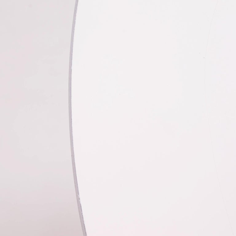 Laminate  Modern Contemporary Round White Table by Fritz Hansen A622  For Sale