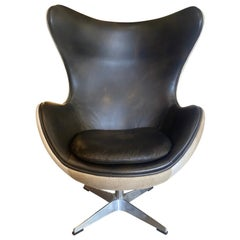 Fritz Hansen Arne Jacobsen Styled Egg Chair with Dark Leather and Pony Hair