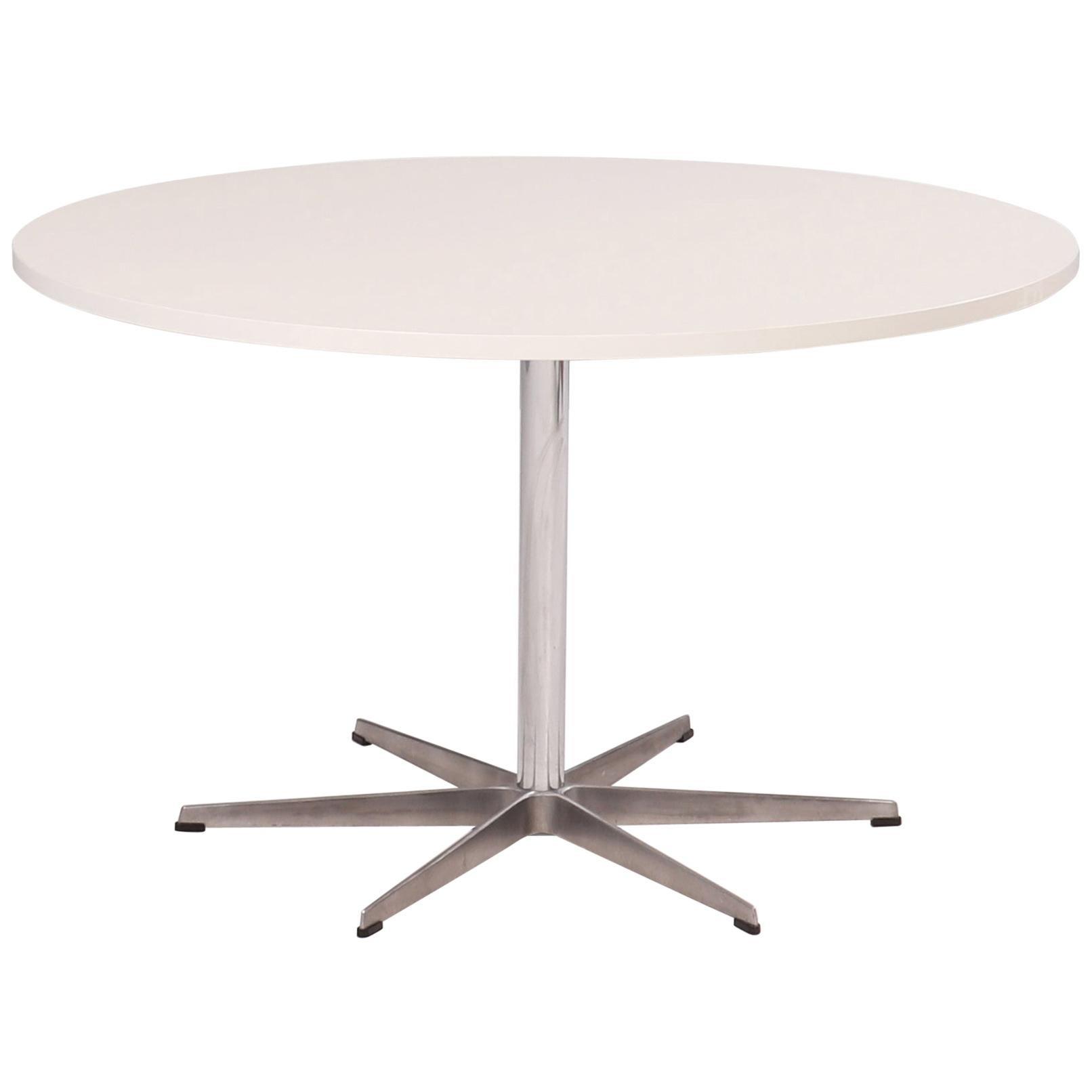 Fritz Hansen by Arne Jacobsen Circular White Dining Table